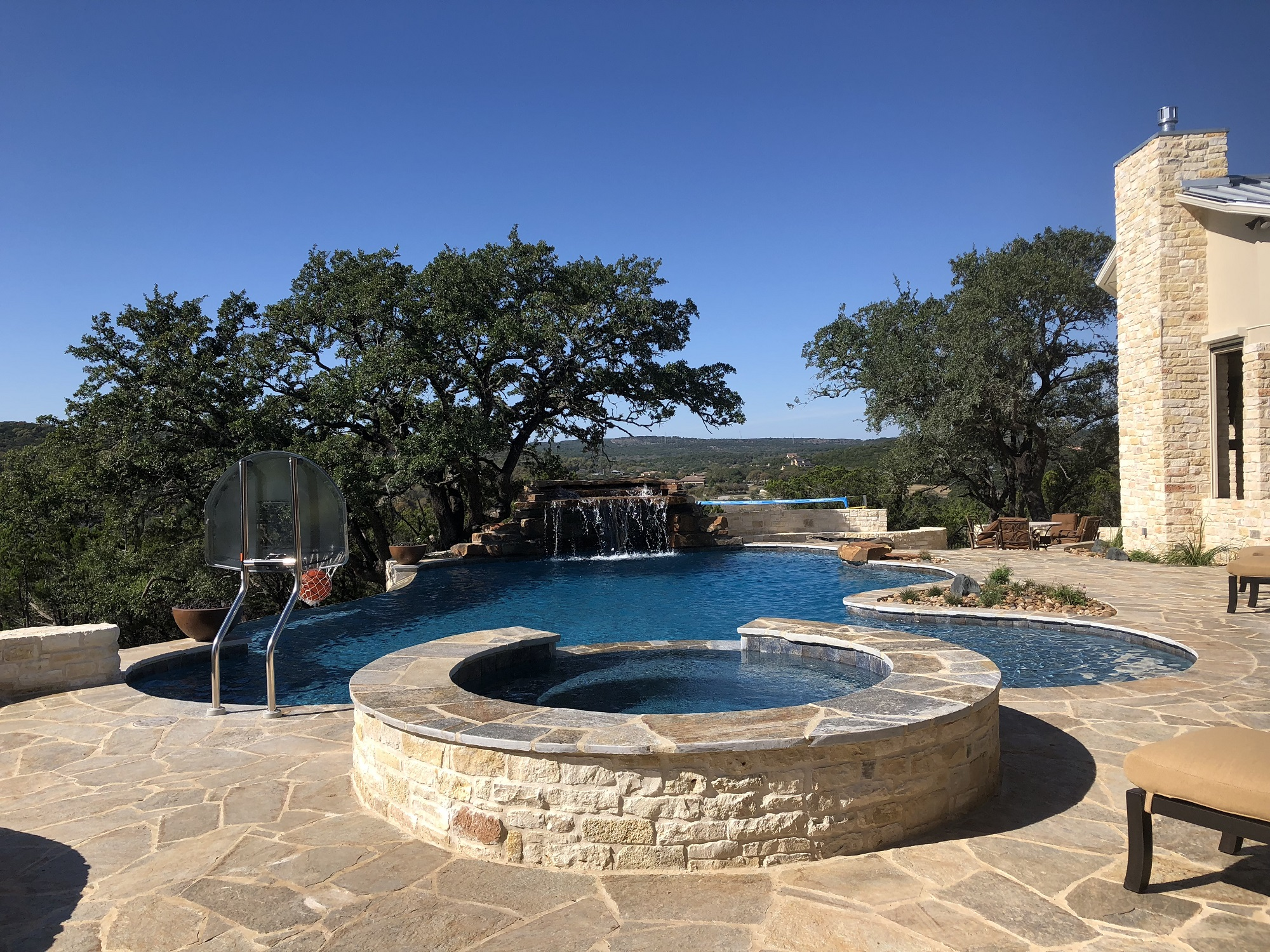 5 Tips to Help You Hire the Best Contractor for Constructing Your Customized Swimming Pool